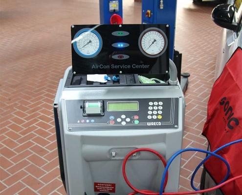 Klimaservice mit Klimagerät ACS 1300G Aircon Service Center R134a