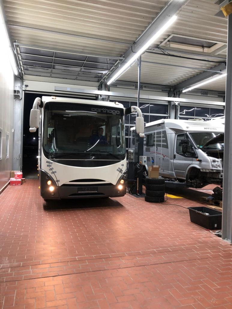 die Wohnmobil Werkstatt in der Nähe von Kassel  JV car-center