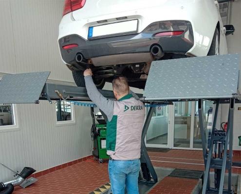 Dekra Kassel prüft beim JV car center